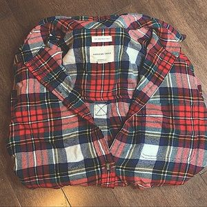 NWOT AMERICAN EAGLE RED/BLUE PLAID BUTTON FLANNEL
